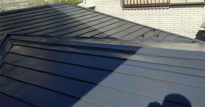 家の裏側屋根